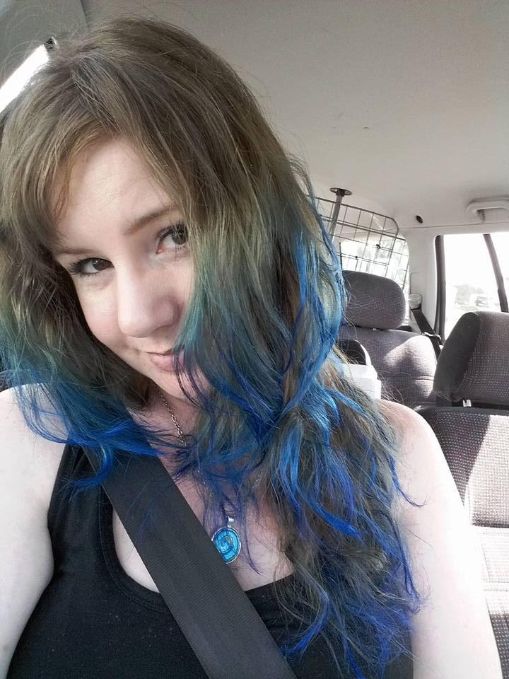 tona håret blått