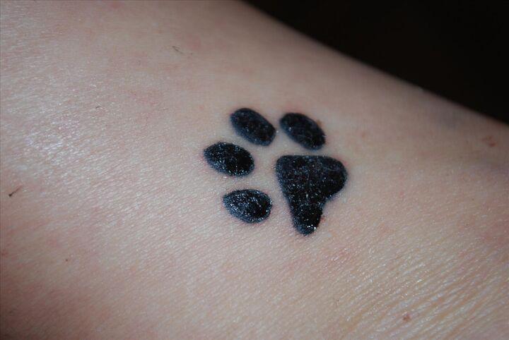 smörja tatuering med vaselin